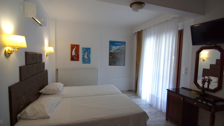 Superior Triple Room image sample